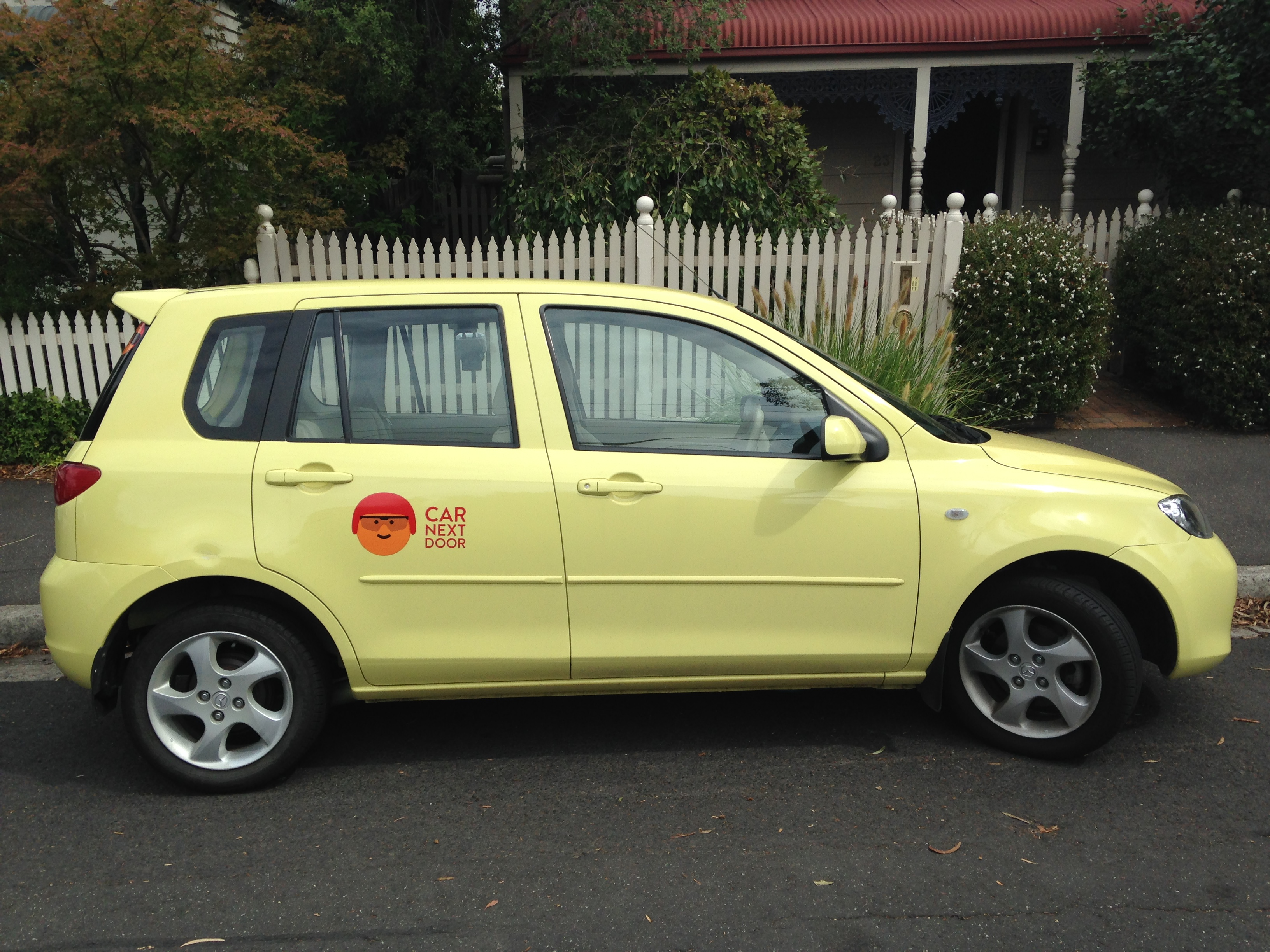 Picture of Bronwyn's 2002 Mazda Max 2