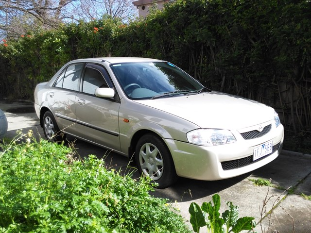 Picture of Kirsten's 2000 Mazda 323