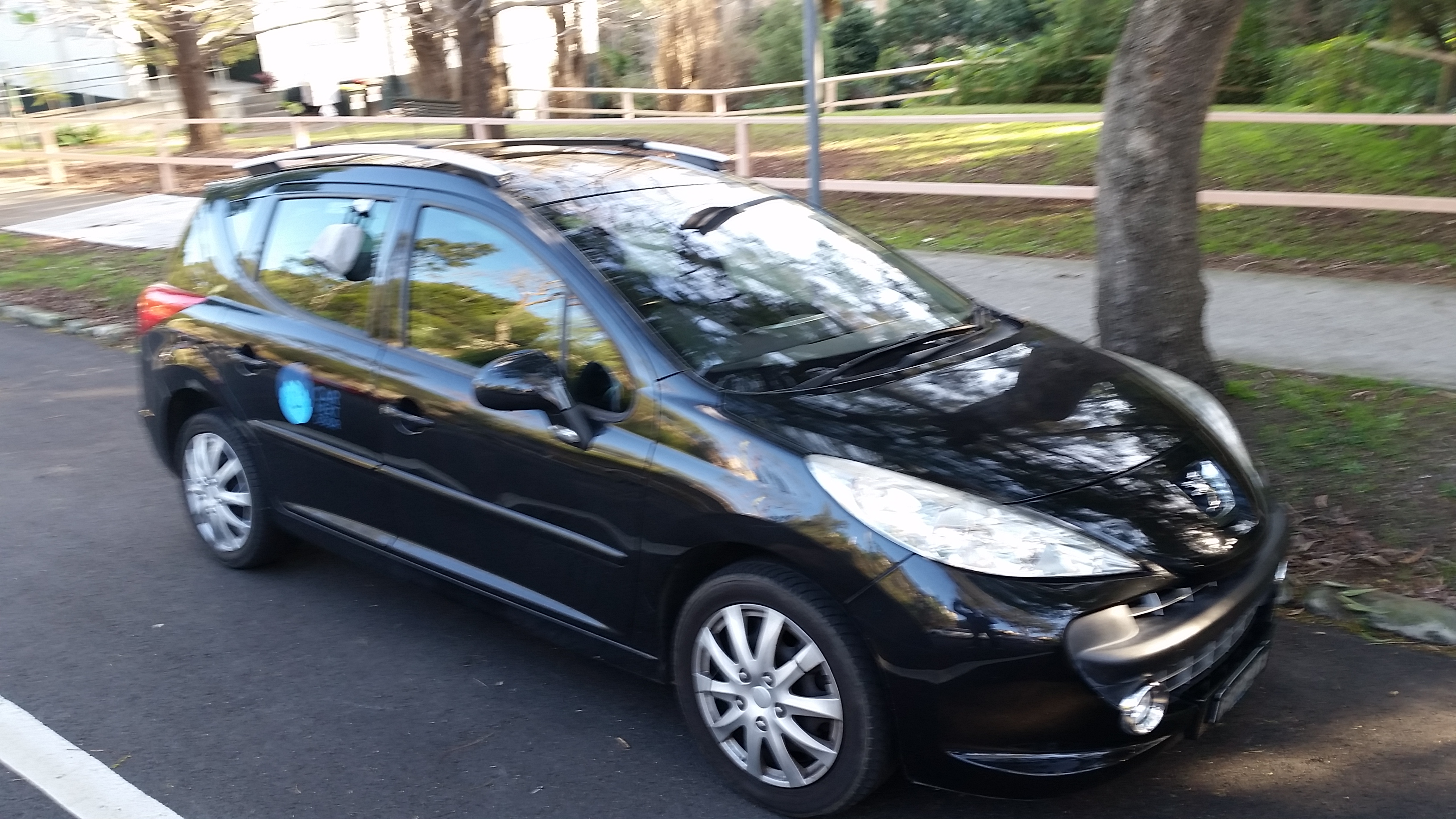 Picture of Nicholas' 2008 Peugeot 207