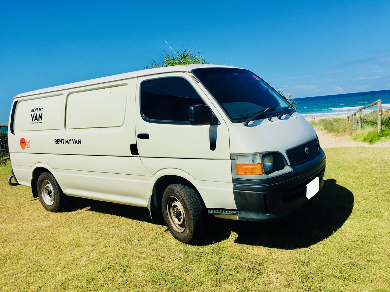 Picture of Jonathan's 2003 Toyota Hiace Long Wheelbase DIESEL