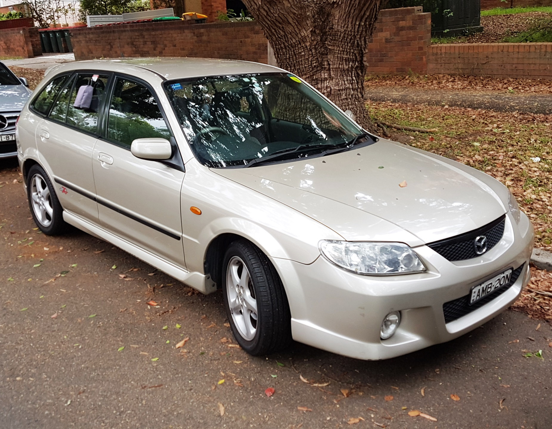 Picture of Benjamin's 2001 Mazda 323 Astina
