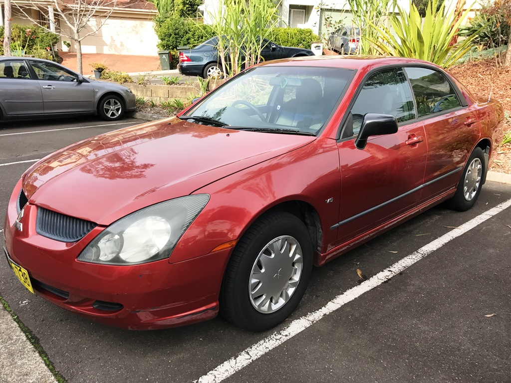 Picture of Via's 2004 Mitsubishi Magna