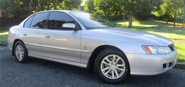 Picture of Robert's 2004 Holden Commodore Acclaim 4 door sedan