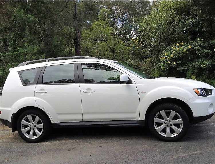 Picture of Deepak's 2012 Mitsubishi Outlander