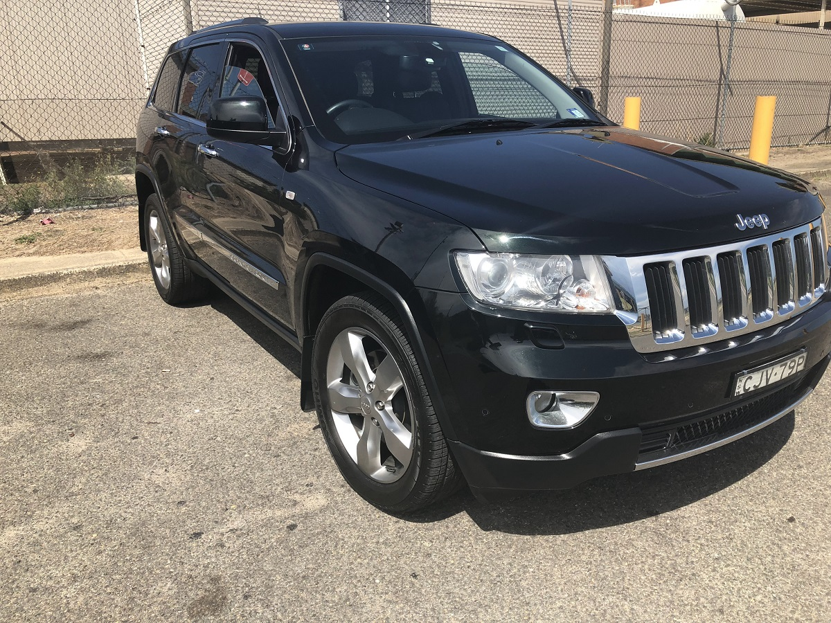 Picture of Simon's 2012 Jeep Grand Cherokee 4X4 Limited 3.6l