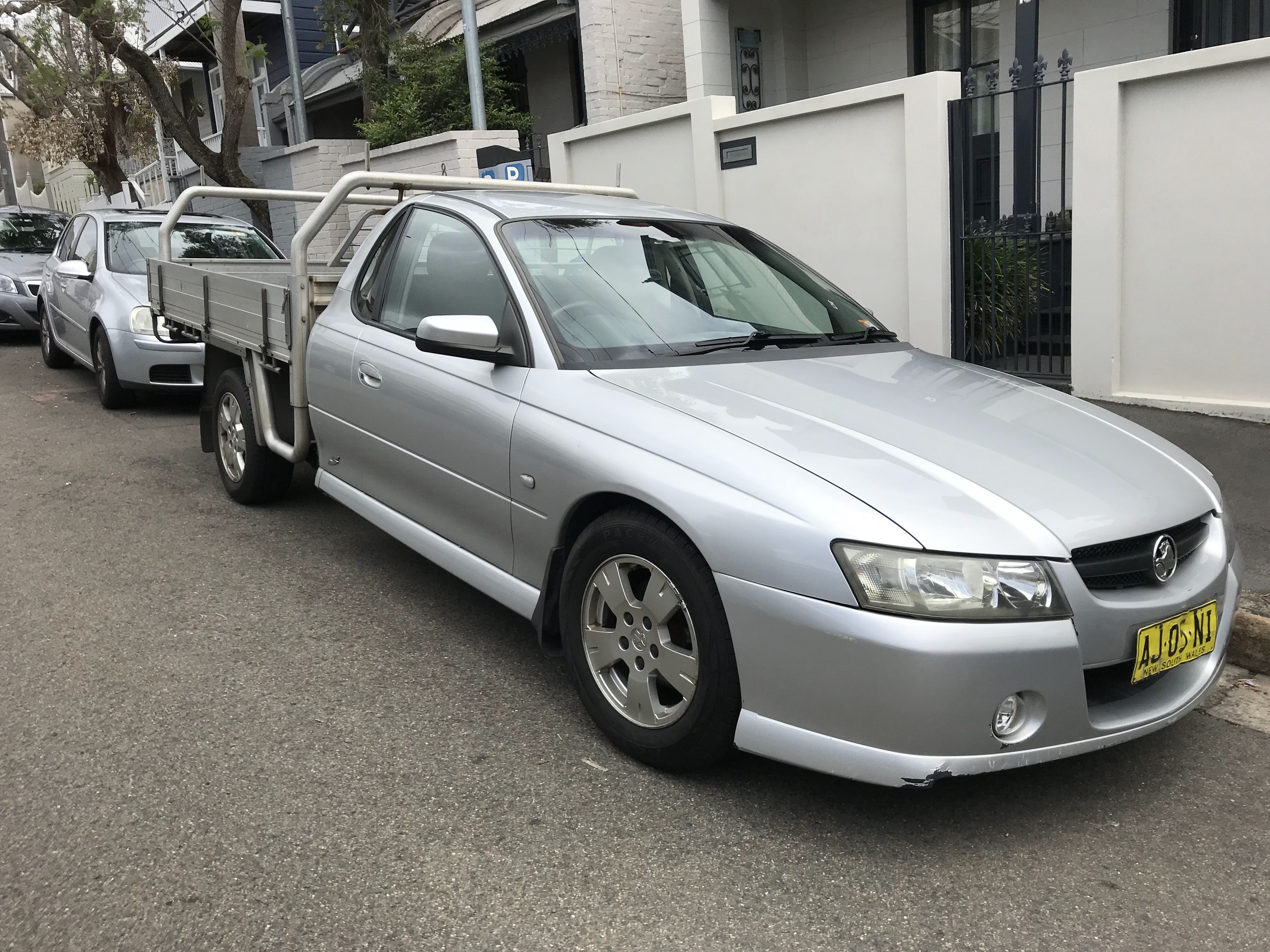 Picture of Emilien's 2005 Holden VZ S UTE One tonner with tray
