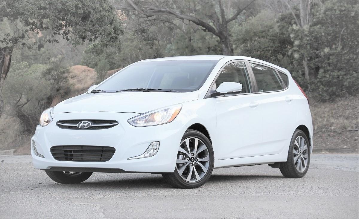 Picture of CarNextDoor's 2015 Hyundai Accent