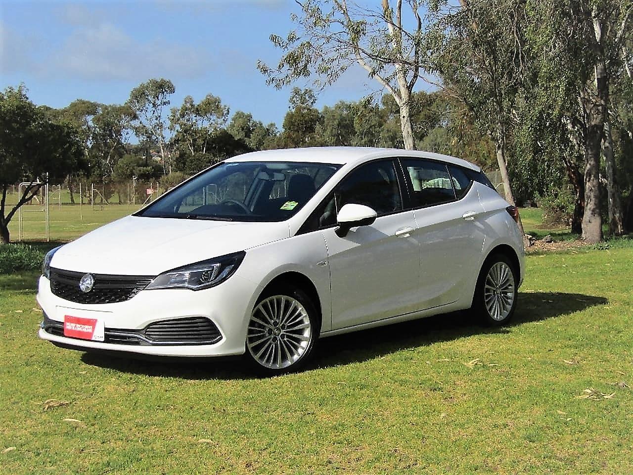 Picture of CarNextDoor's 2017 Holden Astra