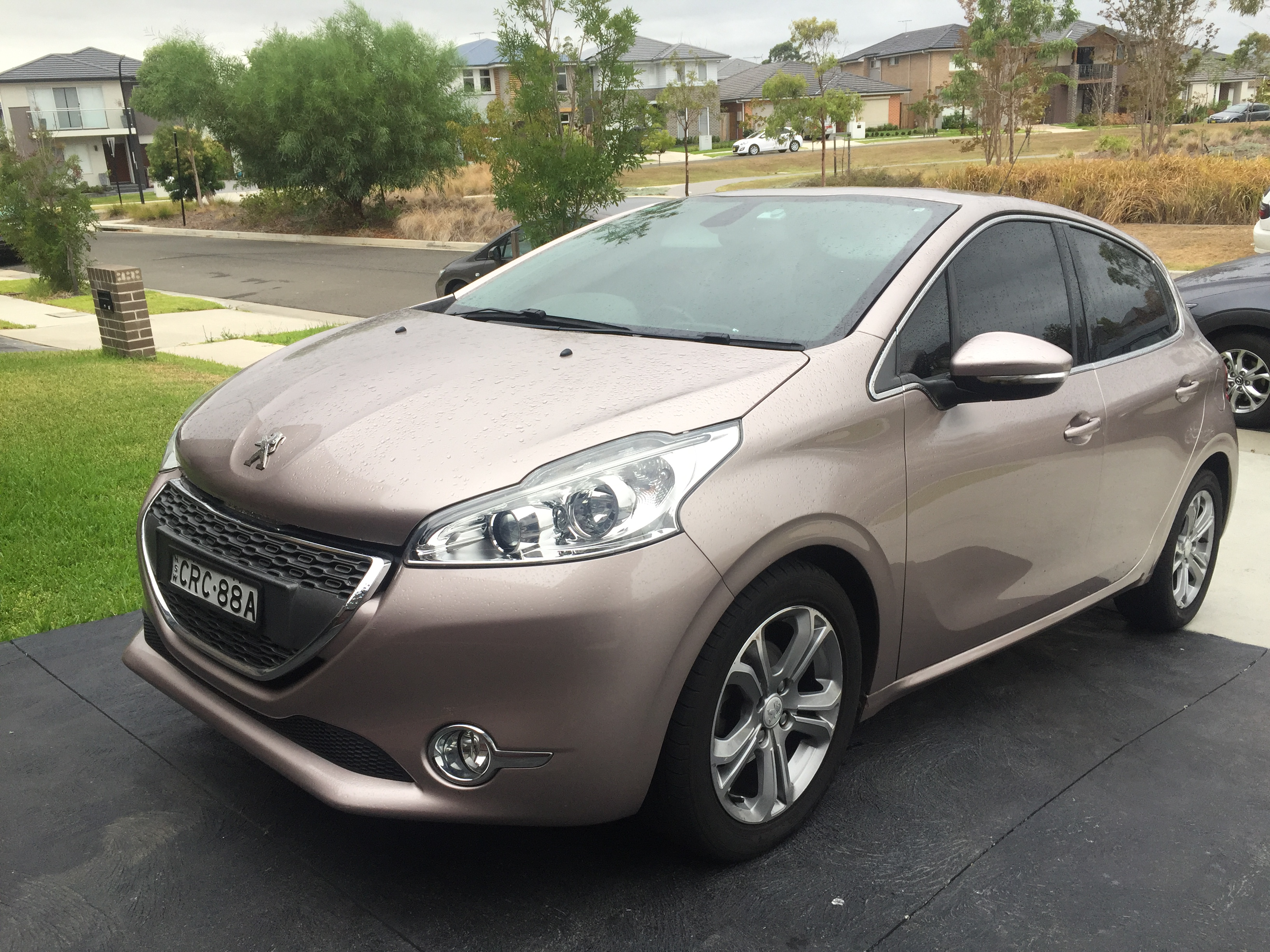 Picture of Krichelle's 2013 Peugeot 208