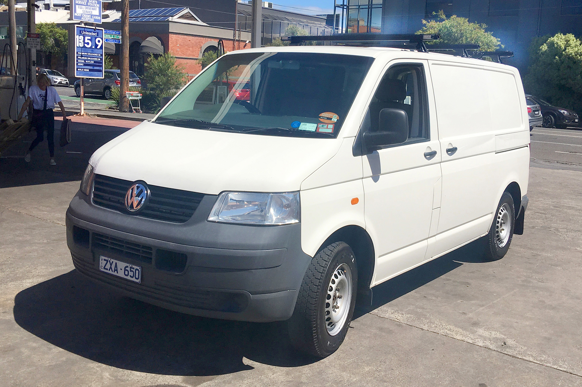 Picture of Mike's 2004 Volkswagen Transporter T5