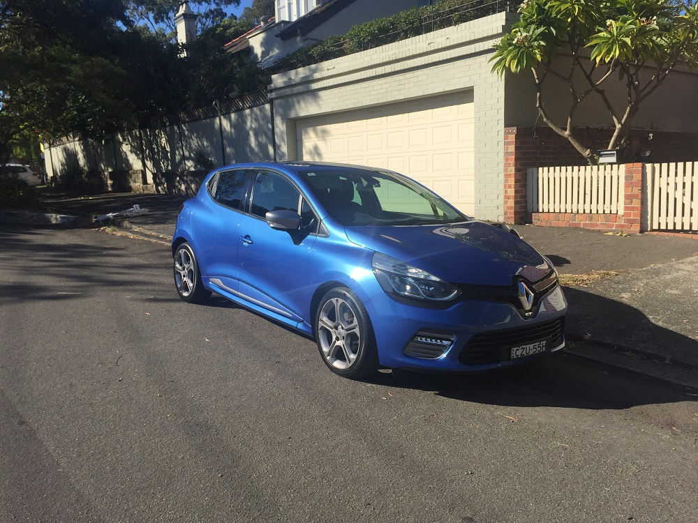 Picture of Nadine's 2014 Renault Clio