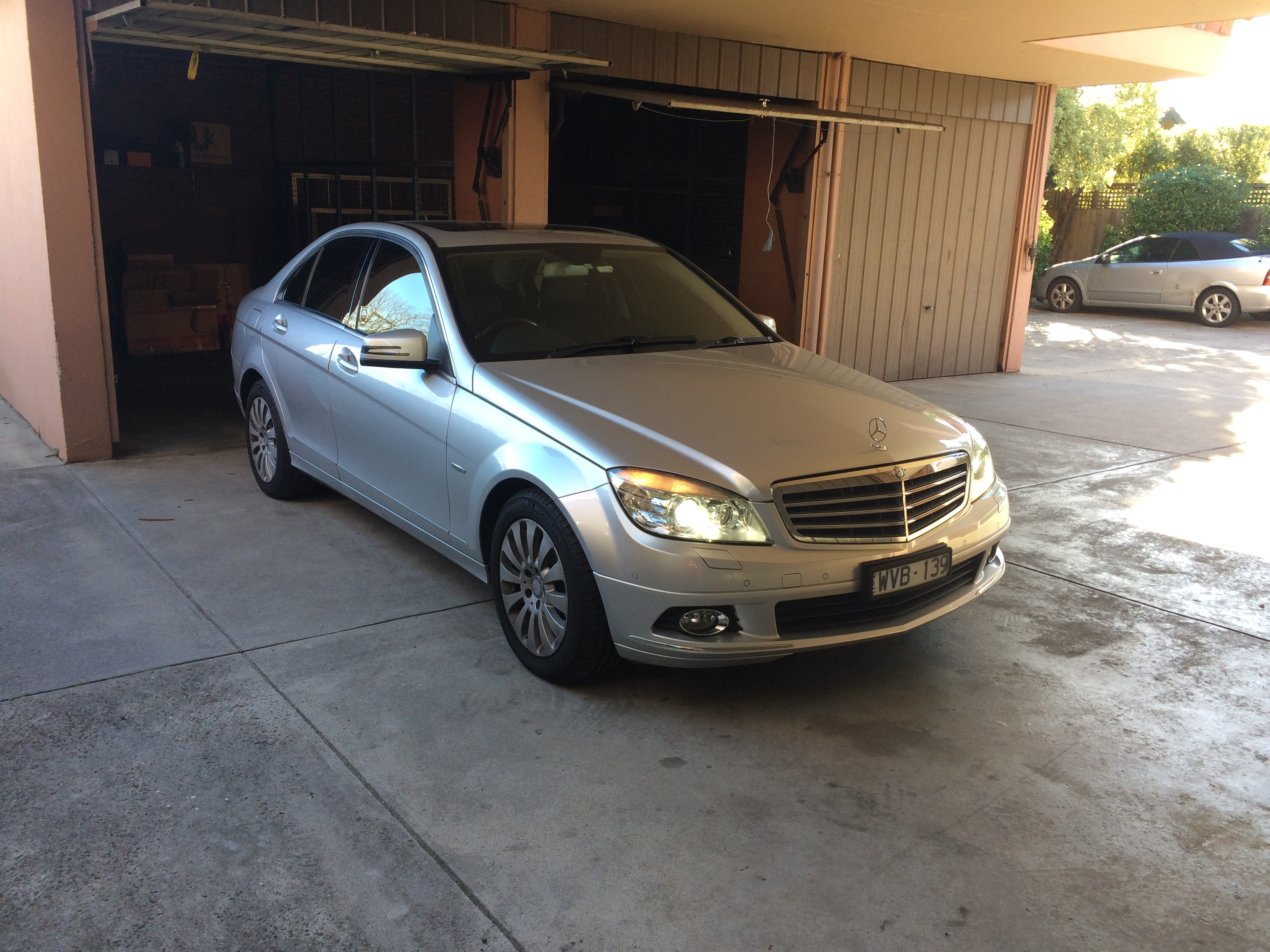 Picture of Hwee Ti's 2009 Mercedes Benz C200K