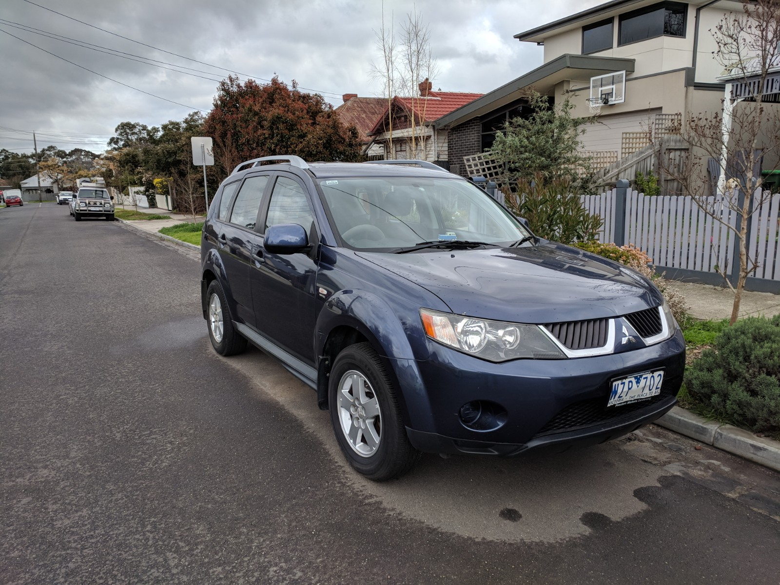Picture of Amir's 2009 Mitsubishi Outlander