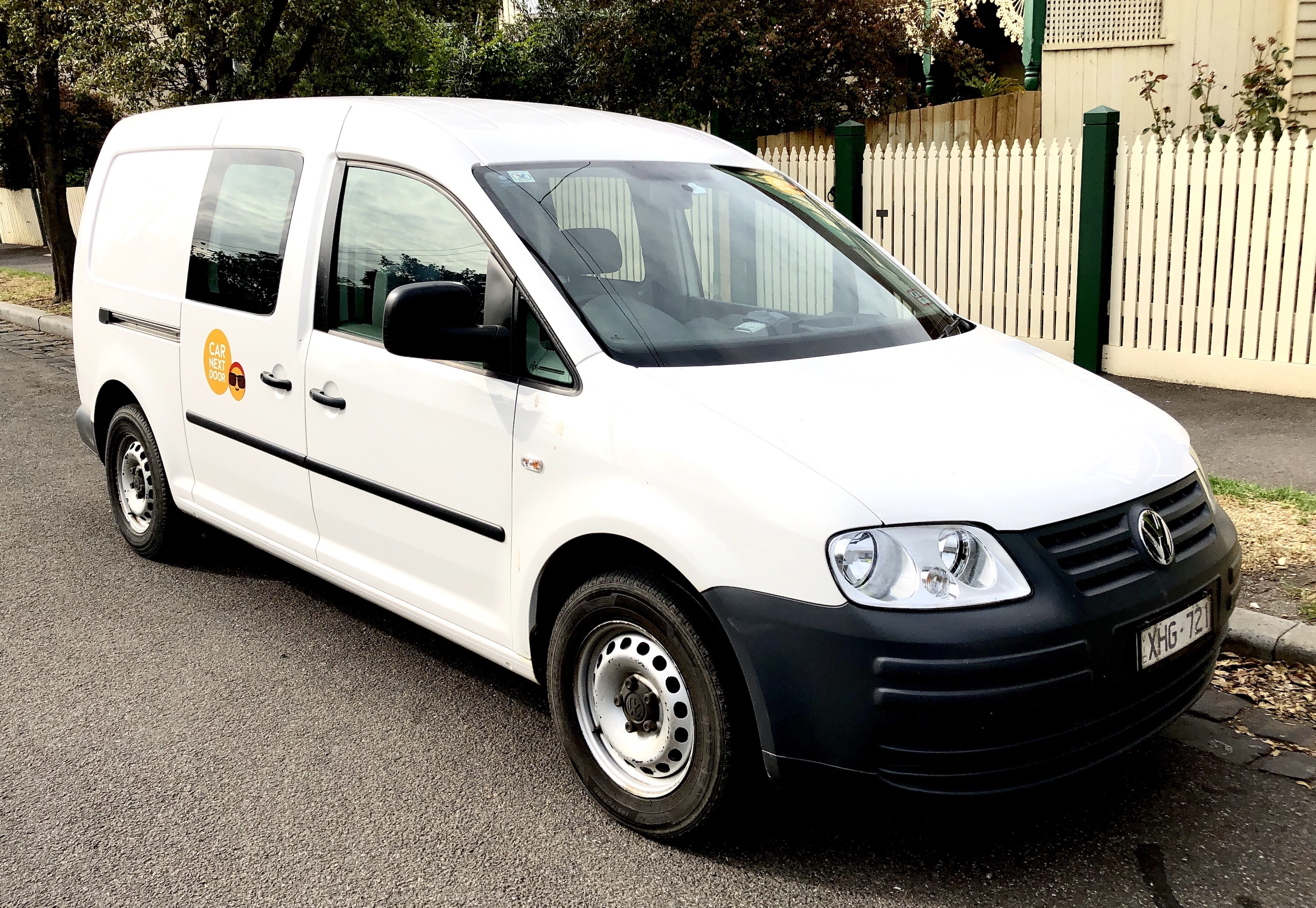 Picture of Apanie's 2009 VW Caddy Maxi