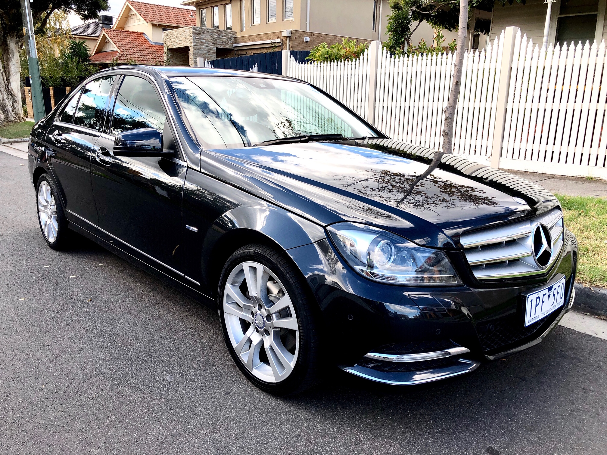 Picture of Edrick Putra's 2011 Mercedes Benz C250