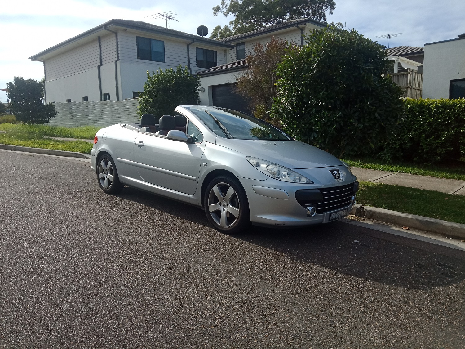 Picture of Damian's 2009 Peugeot 307CC Dynamic