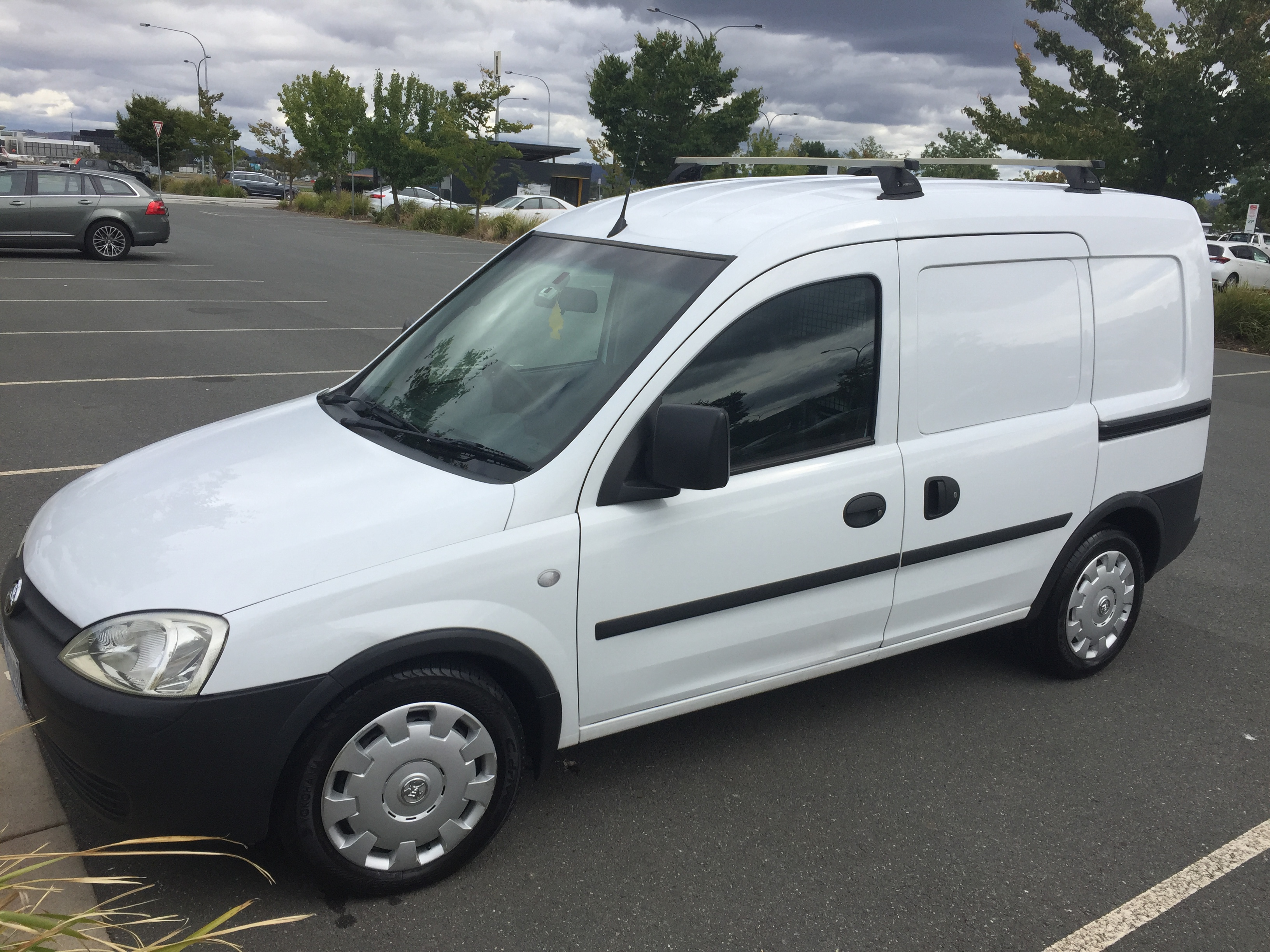 Picture of Claudia's 2007 Holden Combo