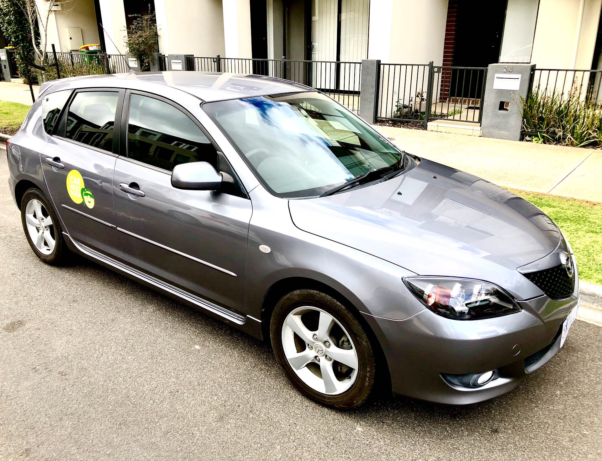 Picture of Mere's 2004 Mazda 3