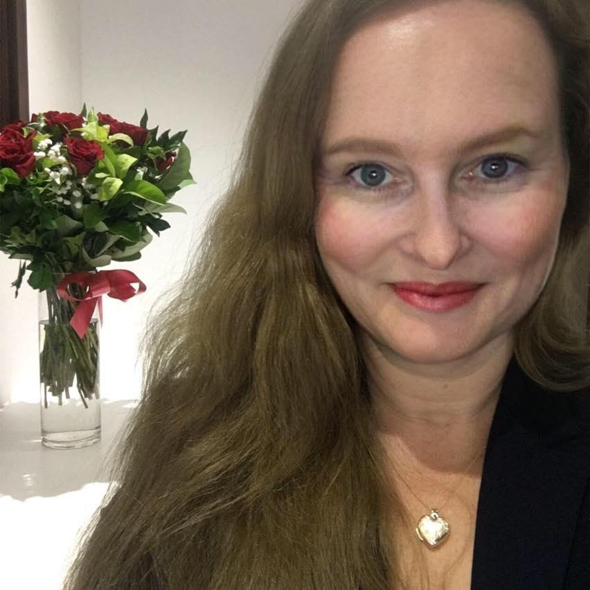Debra's profile picture